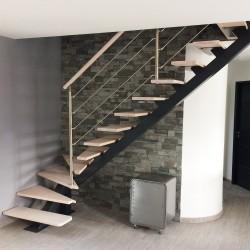 Design mono stringer steel stair with wooden treads